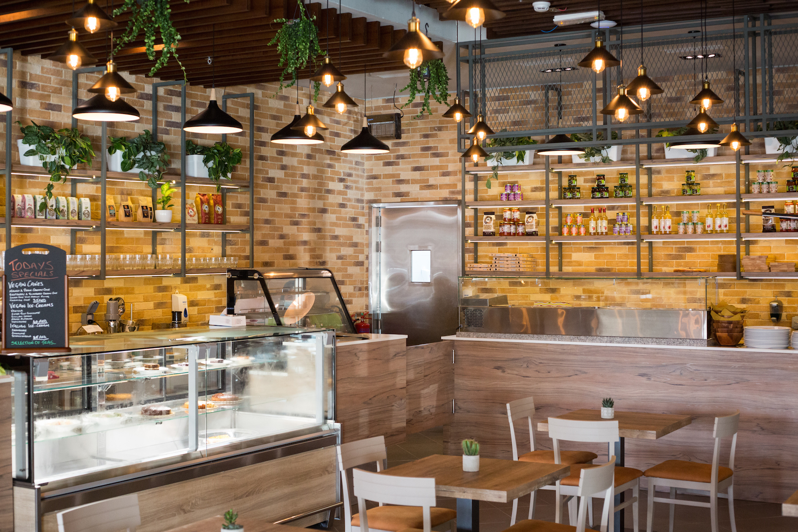 Let's Organic Restaurant & Café opens up in Jumeirah!!