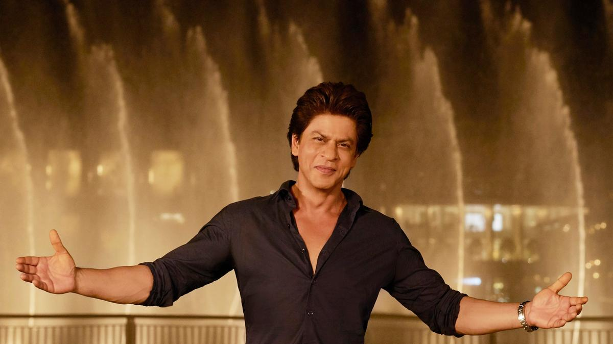 Meet Shah Rukh Khan At Global Village !!