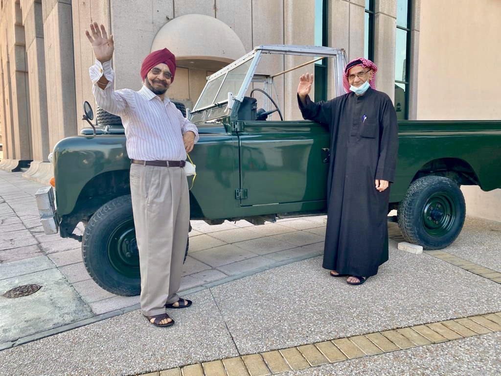 "Meet UAE's first ""Vintage Vloggers"" 73 yr old Emirati Hafez Redha and 92 yr old Indian American Narindra Singh!!"