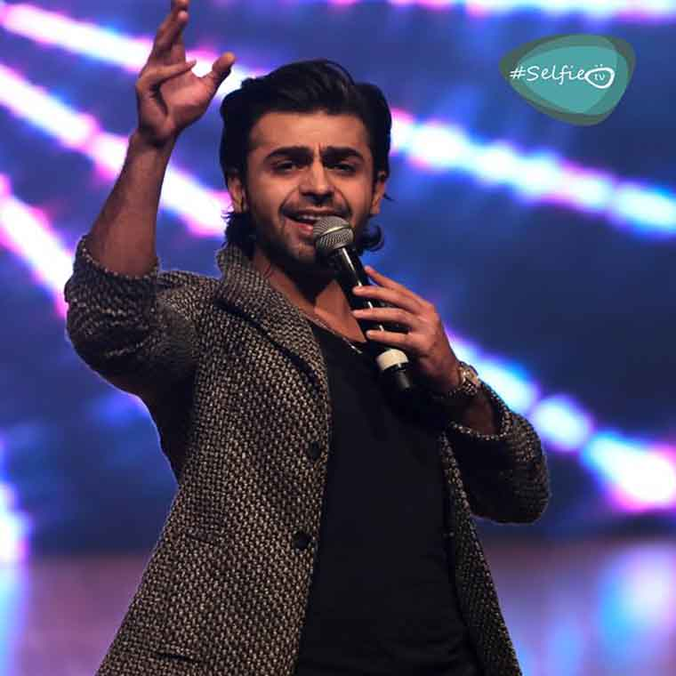Farhan Saeed LIVE IN CONCERT At AUS !!